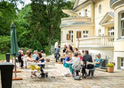 Kloster-Saunstorf-Sommer-draußen