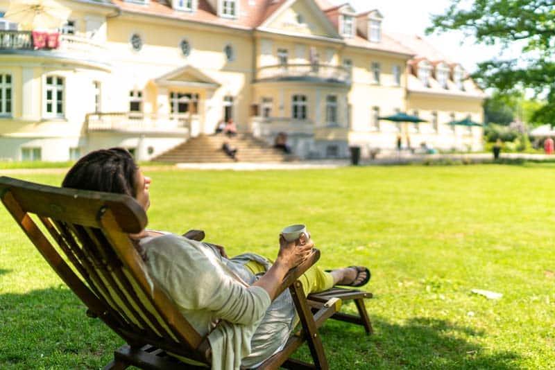 Kloster-Saunstorf-Sommer-draußen-Entspannung