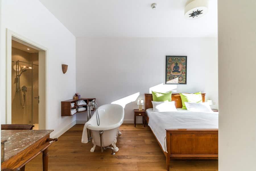 Zimmer-Buddha-Suite-Kloster-Saunstorf