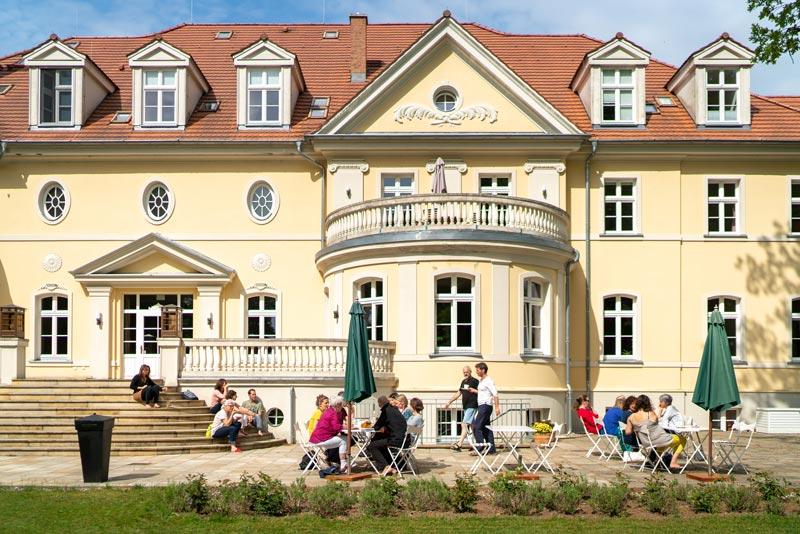 Kloster-Nah-Parkseite-klein-kloster-saunstorf