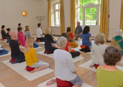 Meditation-grosser-Saal-kloster-saunstorf