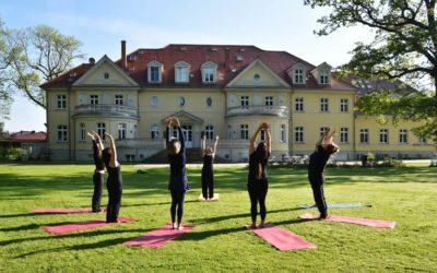 Video: Yogaübung Pranayama Kapalabhati auf Gut Saunstorf