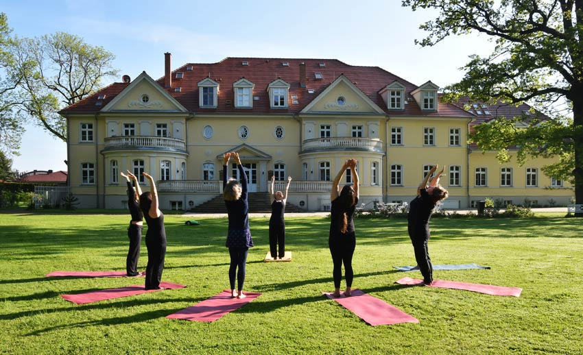 Yoga-im-Park-kloster-saunstorf
