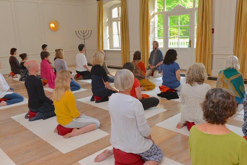 Meditation-mit-OM-kloster-saunstorf