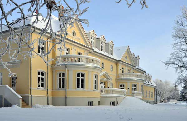 Gutshaus-im-Schnee-web2